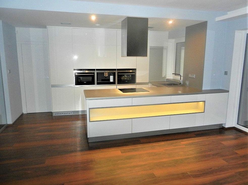 Kuchyně na míru ve tvaru U